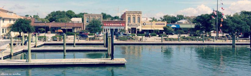 Beaufort NC, Beaufort NC waterfront, Clawson's 1905 restaurant